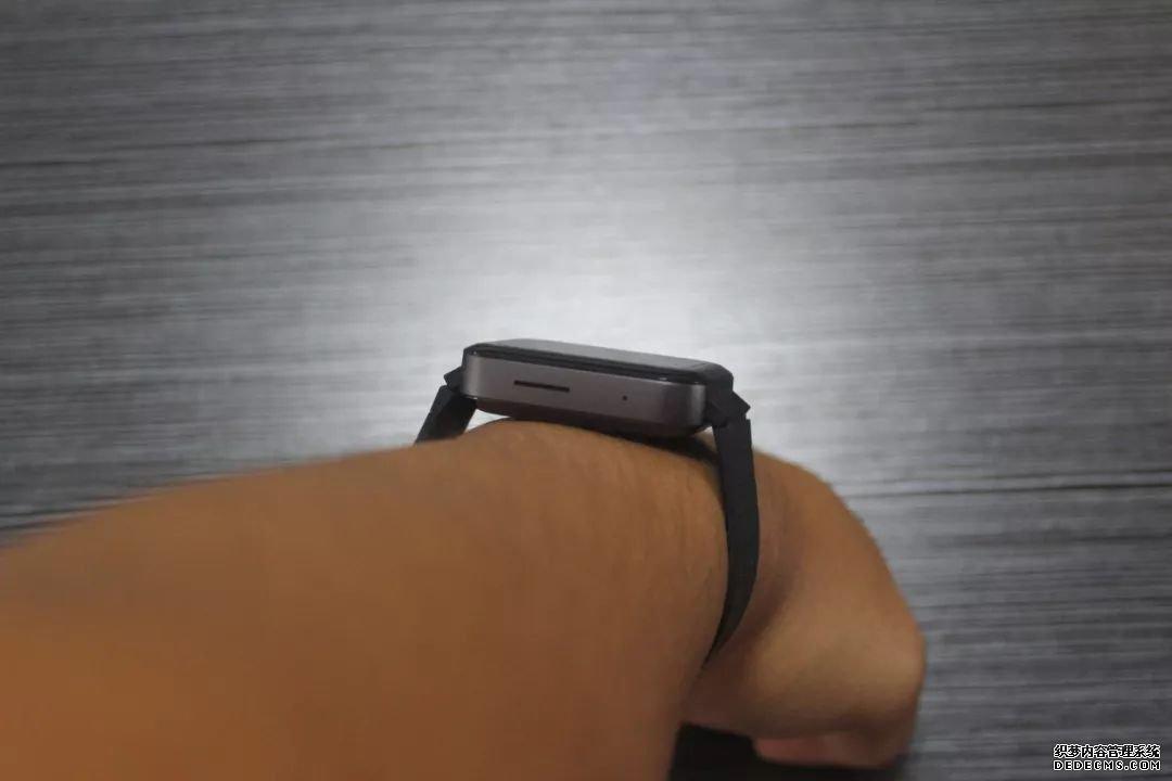 挺好用也挺流畅,但我不会持有小米手表 使用体验报告